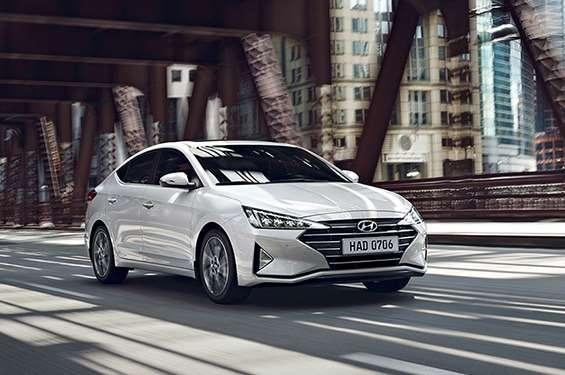 Hyundai Elantra - фото 1