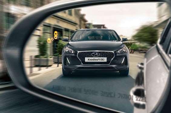 Hyundai i30 Fastback - фото 3