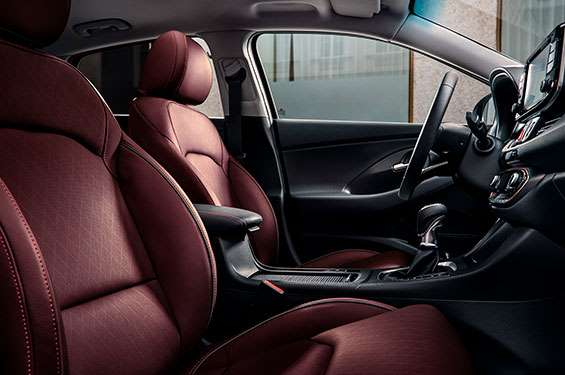Hyundai i30 Fastback - фото 5