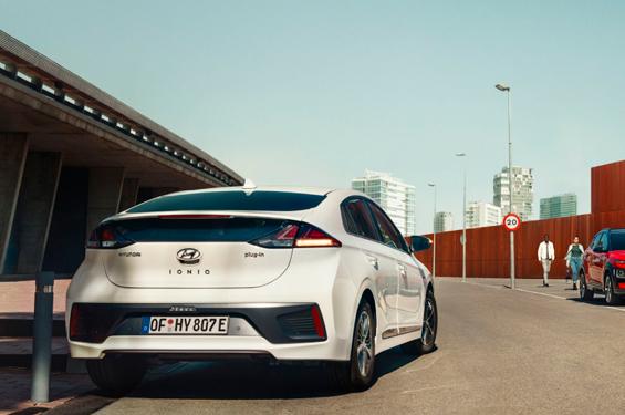 Hyundai IONIQ Electric - фото 6