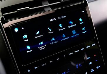 Сучасні мультимедіа - Hyundai Tucson Hybrid